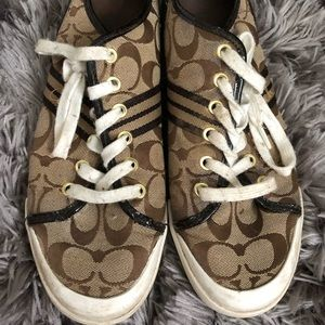 Coach sneakers no size label but fit like a 10